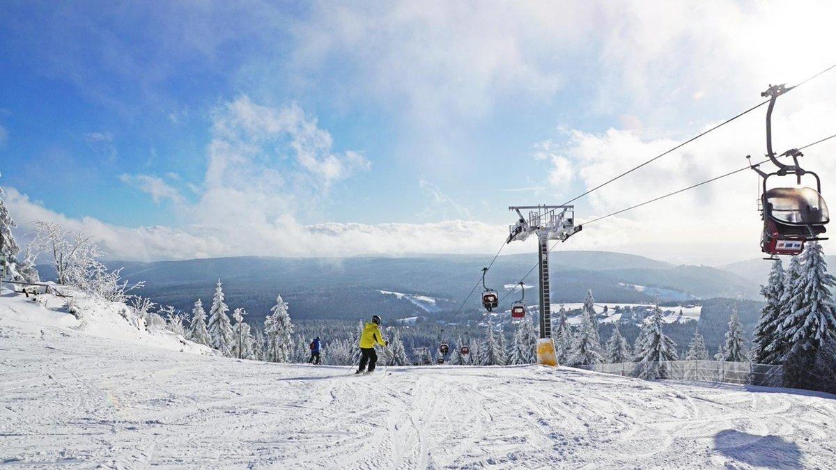 Wintersport: Seilbahnen am Ochsenkopf laufen wieder https://t.co/HUxCCYBkn9 #franken