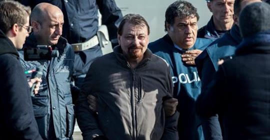 Caccia ai fiancheggiatori di #CesareBattisti Foto