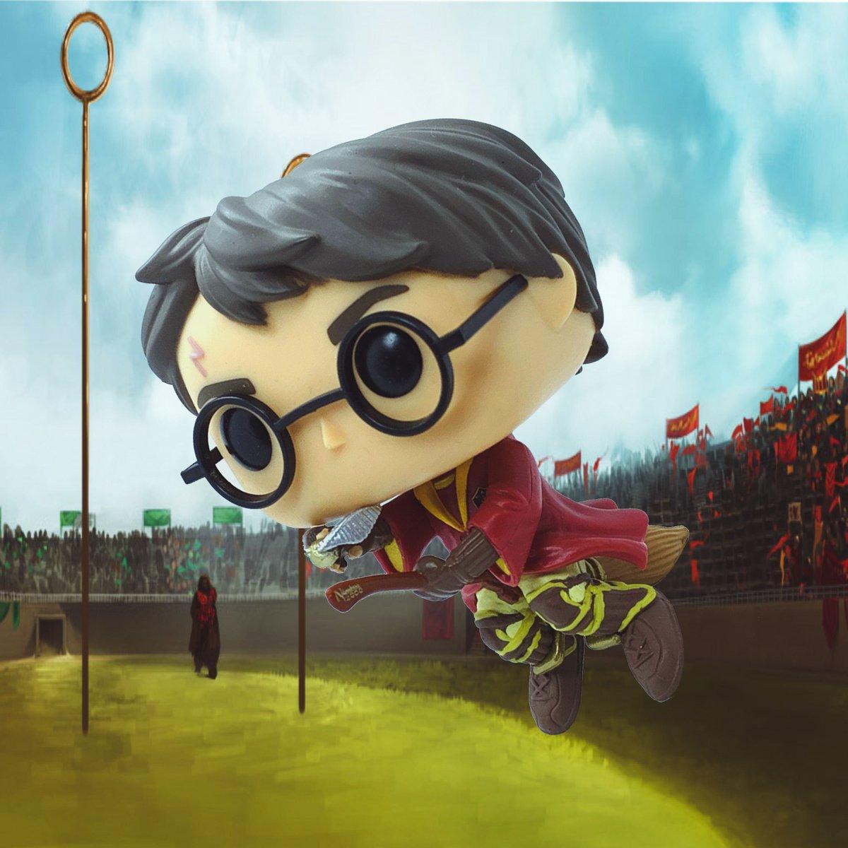 Quidditch  #funko #funkopop #funkopops #funkopopvinyl #funkophotoaday #funkomania #funkophotography #funkofamily #funkoaddict #funkoaddiction #funkocollection #funkocollector #funkofanatic #pop #popvinyl #popfigures  #toys #harrypotter #sdcc2017 #sdccexclusive #quidditch #snitch