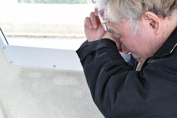 高須クリニック院長が辺野古視察。グラスボートが港に戻る頃、高須氏は涙を拭っていた。「見てみないと分からないもんだ」「ローラさんにはローラさんの考えがある」・・・  http://tanakaryusaku.jp/2019/01/00019438…  =15日、大浦湾 撮影:田中龍作=