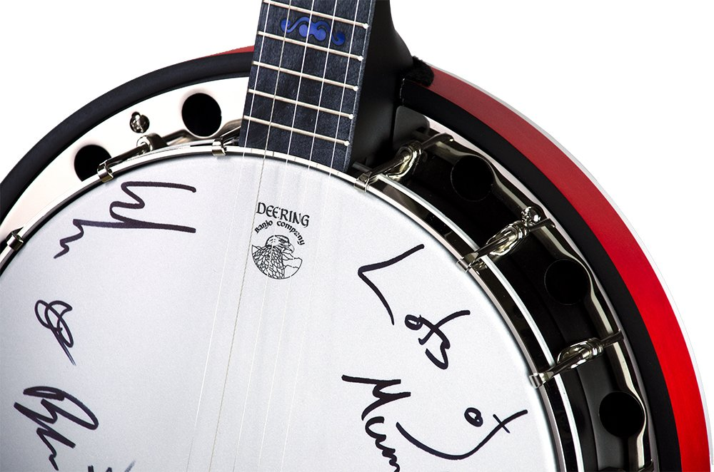 The auction for our special Australia @Deering_Banjos is live. Proceeds go to Home Instead Senior Care Foundation in Australia. We&#39;ve personally signed all the banjos on auction &amp; would love for you to get behind these amazing causes. Go place your bids!  http:// bit.ly/2VT2RwP  &nbsp;  <br>http://pic.twitter.com/9flg2FsMzd