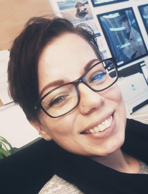 Da hab ich doch gestern glatt vergessen mein #montagslächeln zu posten. Dann eben heute. Jetzt kommt ihr bestimmt ganz durcheinander (lacht leise gehässig) Foto