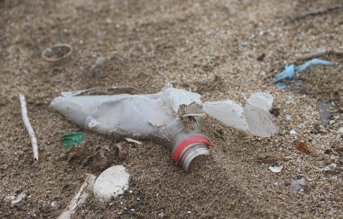 Un daño irreversible al medio ambiente: las consecuencias de los residuos plásticos en las playas bonaerenses | Por Fernanda Jara Foto