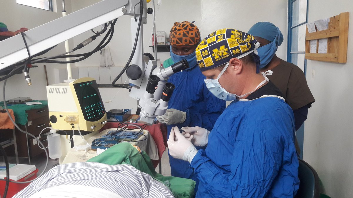 Cataract surgery with #Phaco at #Kibuye Hope Hospital #Burundi @Gitega