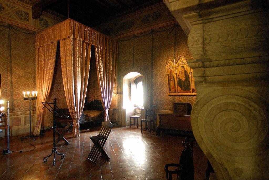 In attesa dell'estate,  un viaggio nella #Romagna nei luoghi d'ispirazione per Dante Alighieri, citati nella sua 📖 #DivinaCommedia ➡️ https://www.alberghitipiciriminesi.it/it/blog/viaggio-nella-divina-commedia/…