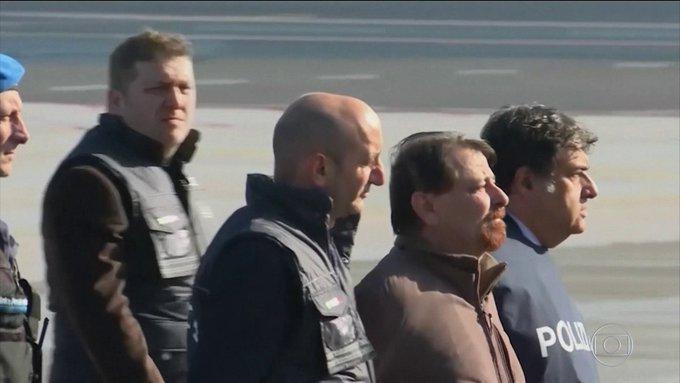 Cesare Battisti é transferido para um presídio de segurança máxima na ilha da Sardenha: #BomDiaBrasil Foto