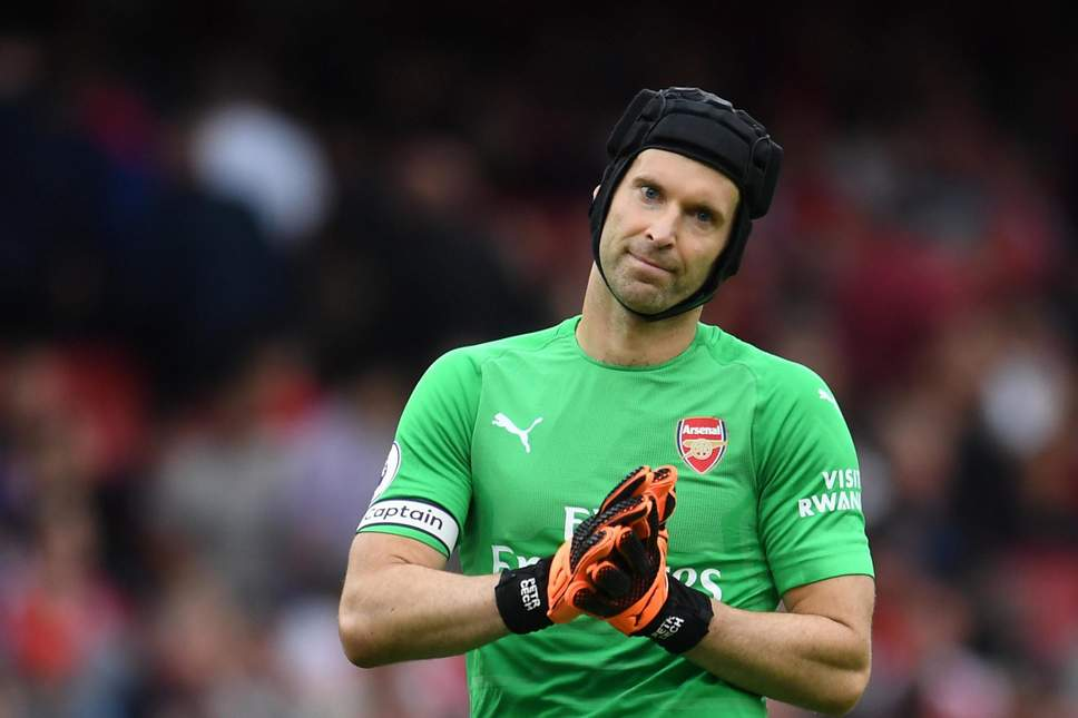 CECH HIGHLIGHTS IMPRESSIVE RECORD AGAINST MESSI