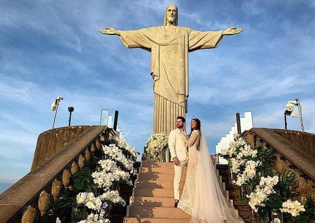 Alok is Married ! Isso mesmo, Alok casou aos pés do CristoRedentor https://t.co/hLliUYOqgK https://t.co/7QZWM76fXS