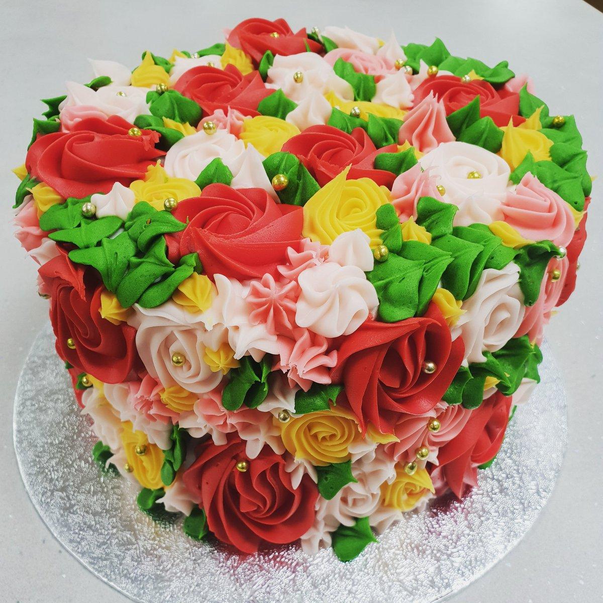 Cake Cakes Flowers Birthday Valentines Tuesday Treats Cakebouquet Nottingham Nottsindie Nottinghamindependents Nottinghamuniversity
