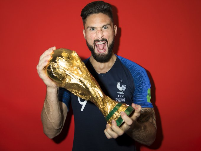 Only reason to sign Giroud is to have another World Cup winner in the squad and extend the great Francelona, other than that, this would be the most pointless backup option. Photo