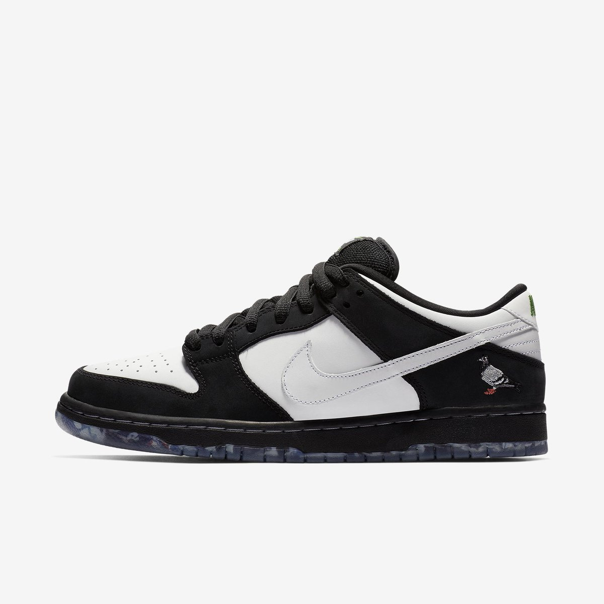 competitive price 041f5 0f36e 30 minutes via  Nike Draw.  staplepigeon x Nike SB Dunk Low. Nike Draw  opens at 10 00am ET. —  https   bit.ly 2HbEKpL pic.twitter.com zQxg1r62qg