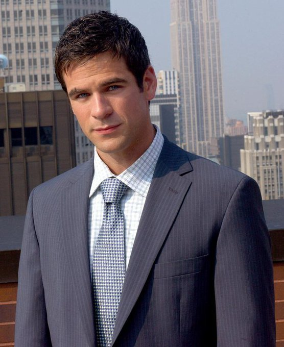 A very happy birthday from Toasting The Town to Eddie Cahill!