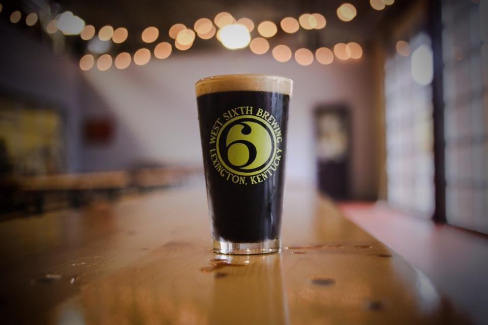 #ThinkLocalDrinkLocal with $2 @WestSixth Cocoa Porter pints tonight at BoomBozz on Hurstbourne Lane! #TapTuesday