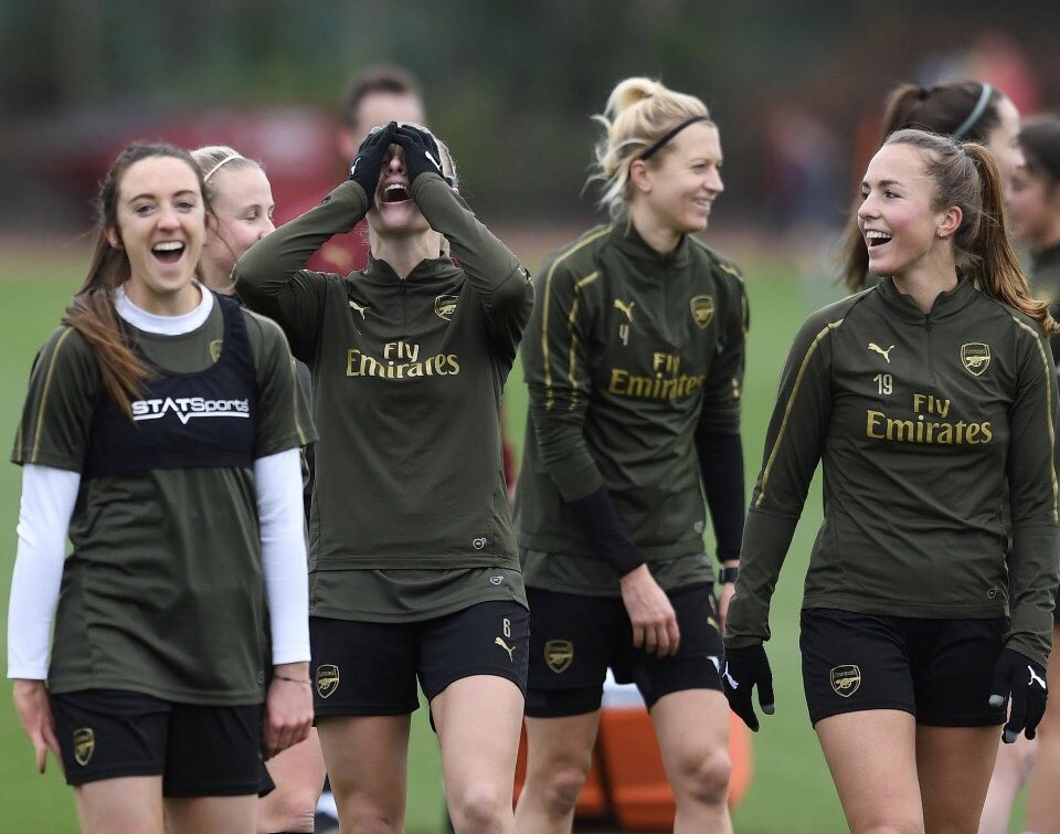 Arsenal midfielder Lia Walti says their blend of 11 nationalities will pull off shock League Cup win