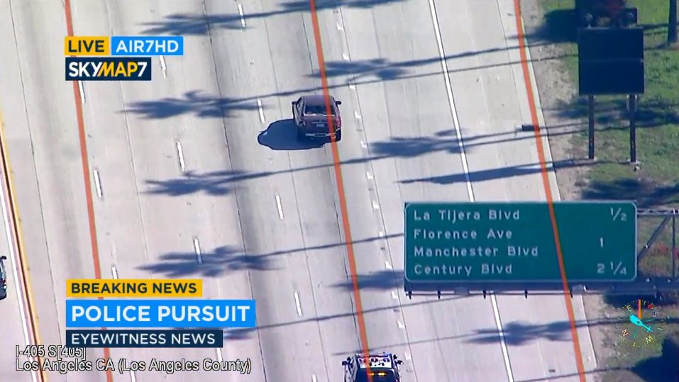 live: pursuit now on the southbound side of the 405 freeway