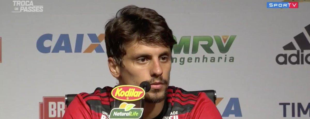 Rodrigo Caio: 'Quem não sonha um dia em jogar no Flamengo?''  #TrocaDePasses
