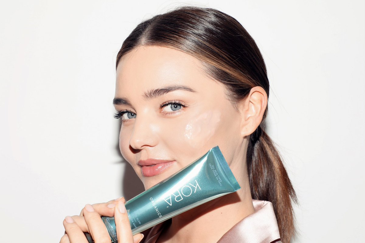 I created this @koraorganics Noni Glow Sleeping Mask because I wanted a certified organic hydrating treatment that deeply moisturized my skin. We learned that your skin looses moisture at night so it's important to hydrate while you sleep! 😴💤✨#noniglow https://us.koraorganics.com/products/noni-glow-sleeping-mask …