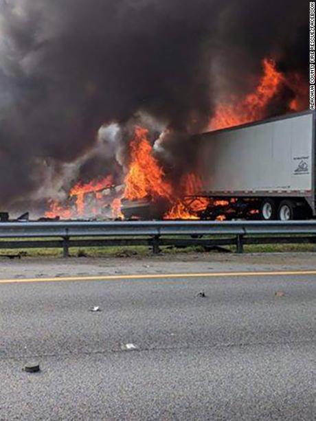 Six people are dead after a fiery multivehicle crash on I-75 in Florida, authorities say https://t.co/T76WGV5Z89 https://t.co/oi4WeBnLuK