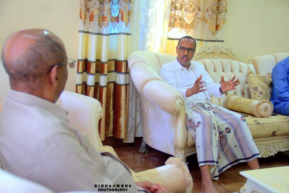 Meeting with Puntland presidential hopeful, Dr Ali Isse Abdi at my residence in Garowe. We discussed many issues of mutual interest. We are both through in the election which will be held on 8 January 2019. @alijira @radiodaljir @Ali4Puntland @TWarsame2019 @Puntland2020 @IamIdil