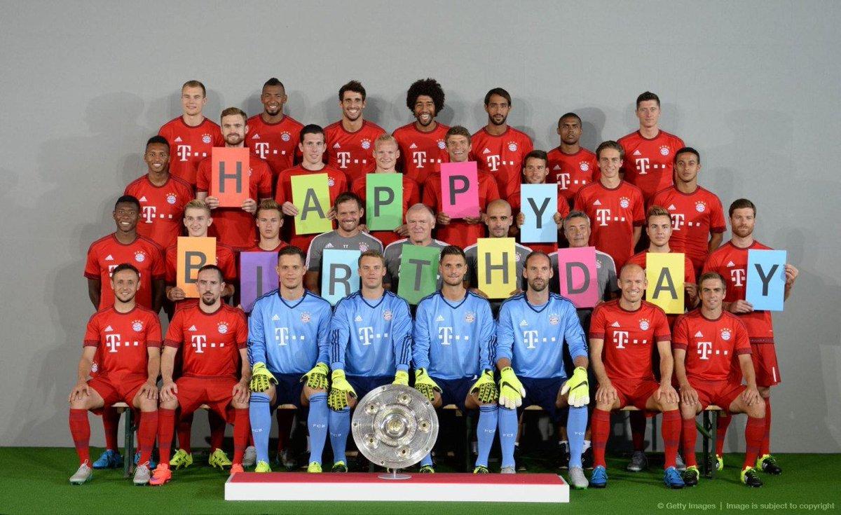 Открытка с днем рождения от футболистов, бабушка дедушка