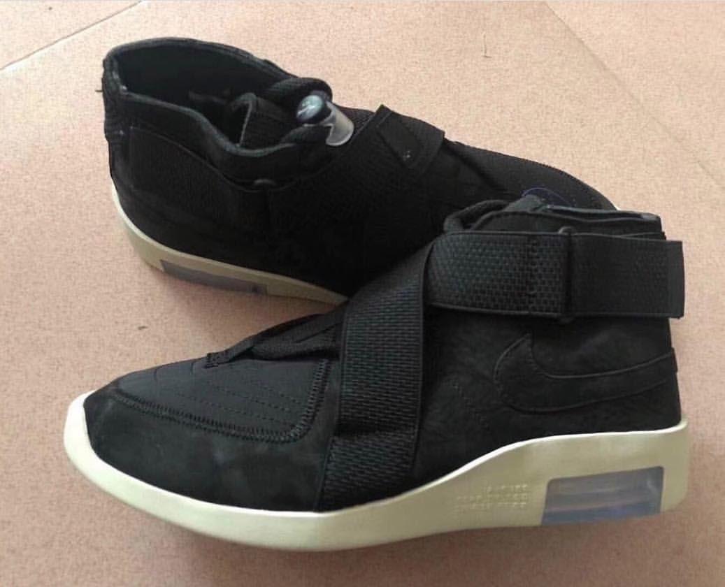 Nike × Fear of God 新作🎯Air Raidっぽい雰囲気をまとったスニーカーですね🤫 #Nike #fearofgod #kicks #sneakers #street #streetfashion #streetwear #streetstyle #足元倶楽部 #足元くら部 #ナイキ #jerrylorenzo
