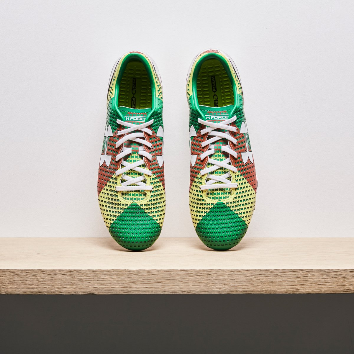 11e5bf6115b6  ProDirectArchive  The Under Armour Clutchfit Force from 2014. A   AssouEkotto special.