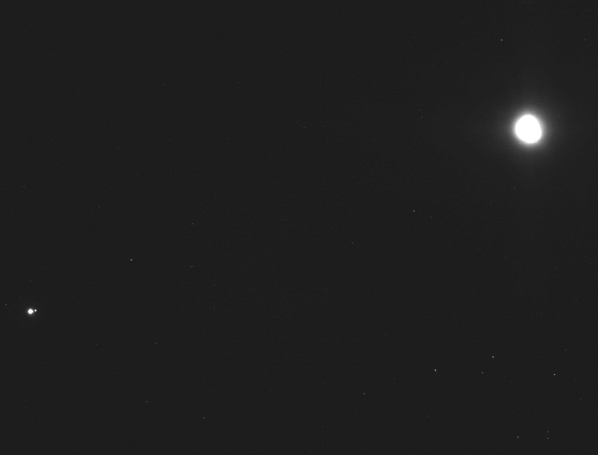 OSIRIS-REx - Mission autour de Bennu - Page 4 DwFJTU2U8AAJtfa
