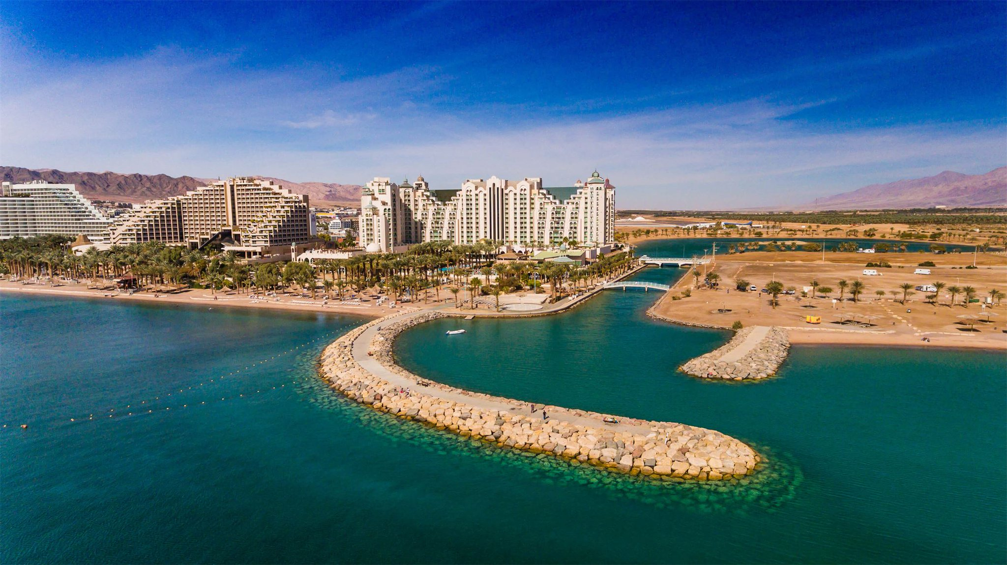 самые красивые пляжи израиля фото занимает особую нишу