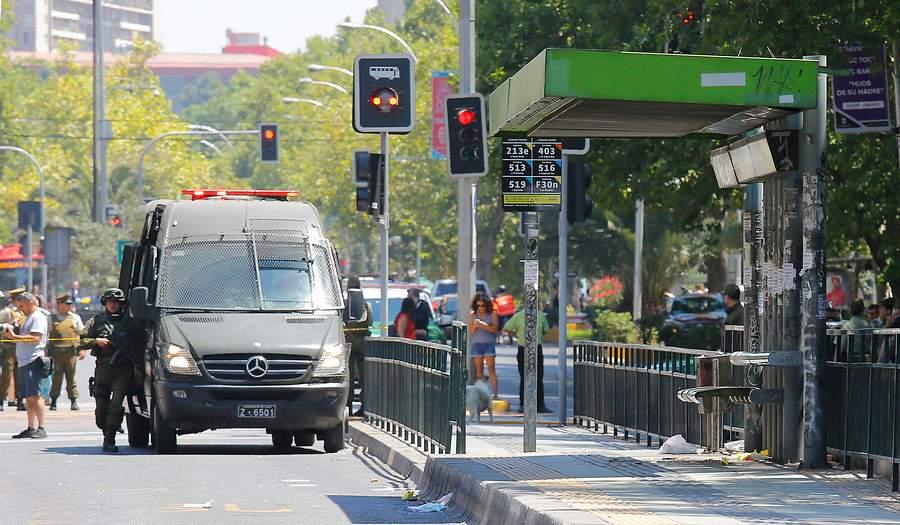 Atentado terrorista en Santiago de Chile deja grave a pareja de Venezolano DwFVAyEXQAAj-Vn