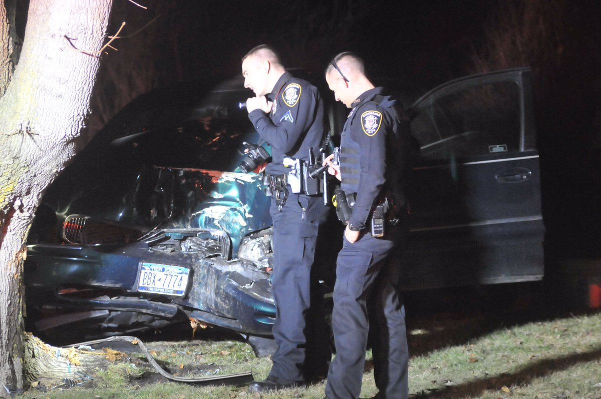 Vehicle collides with tree on Ontario St. in Canandaigua