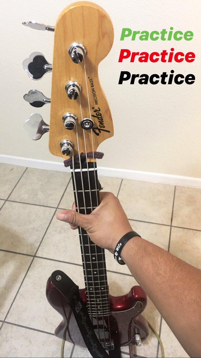 Let's make 2019 an amazing year!! @Fender #fender #bass #practice #bassist #2019 #goals