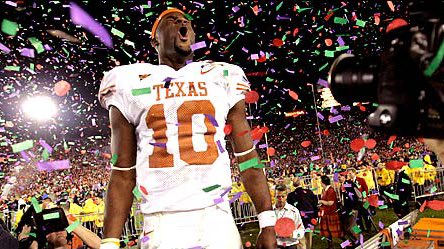 Tryna see what y'all think...  Who's the better quarterback in the state of Texas for College football all time?  Rt for Vince Young Like for Johnny Manziel