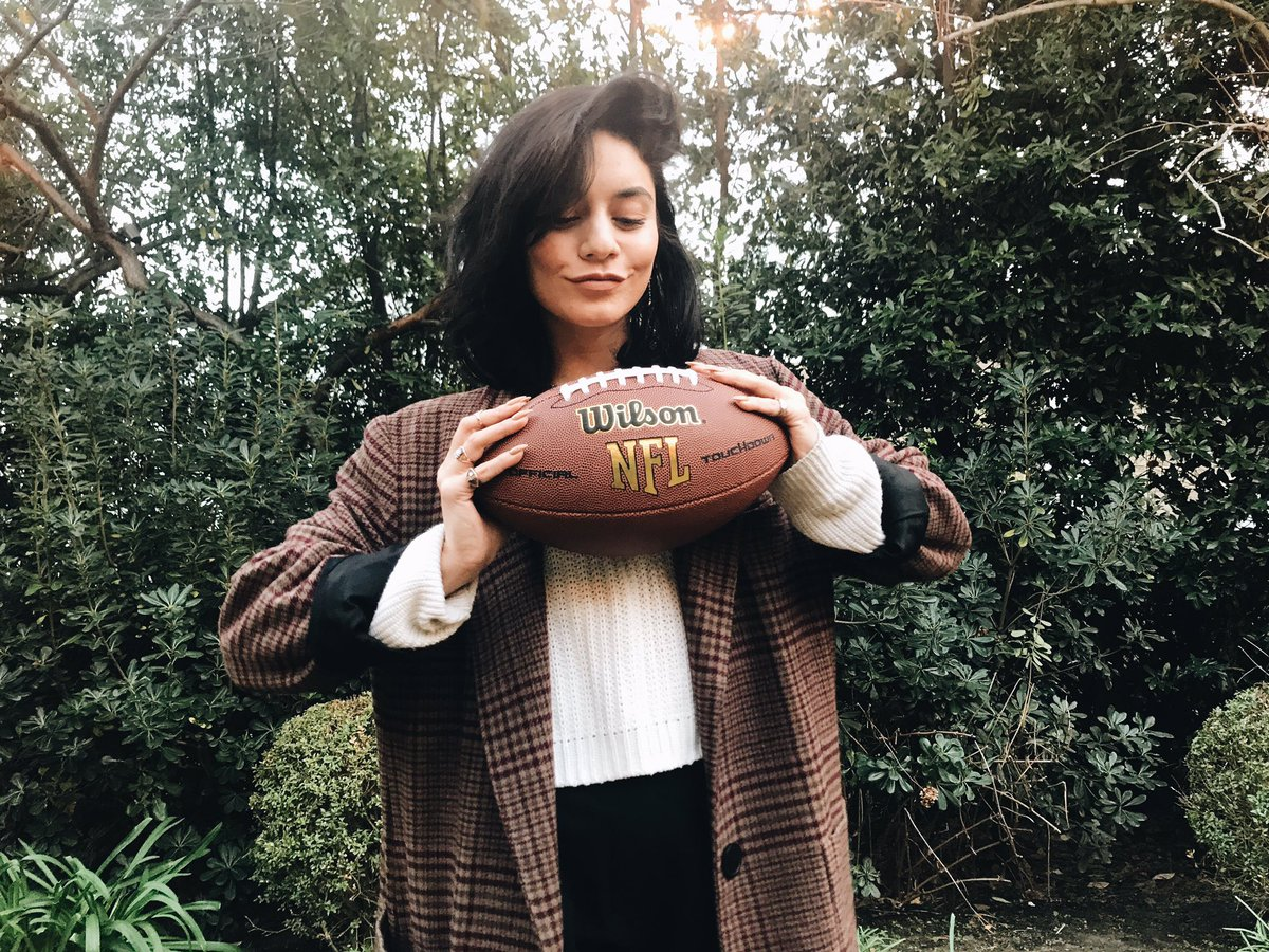 Win an exclusive chance for you and a friend to sit with ME at SuperBowl LIII in Atlanta! Pre-game sideline passes, the hottest #VIP parties, air travel, hotel & more! Go to  to https://t.co/L9XGiDeF4odonate $10 to  to @AmericanCancerenter to Win!   #CrucialCatch#NFL#SBLIII
