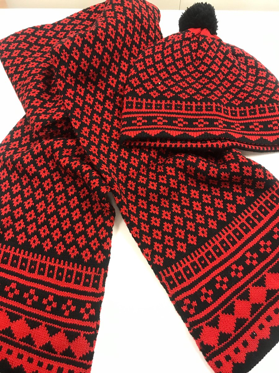 Excited to share the latest addition to my #etsy shop: 75% wool, Set: red black white knit scarf hat fingerle#accessories #scarf #knitcablenetscarf #chunkyneckwarmer #knittedcirclescarf #acrylicknittedcowl #knittedneckwarmer #knitinfinityscarf #neckwarmer https://etsy.me/2Qq8DCjpic.twitter.com/Smemj5rqZP