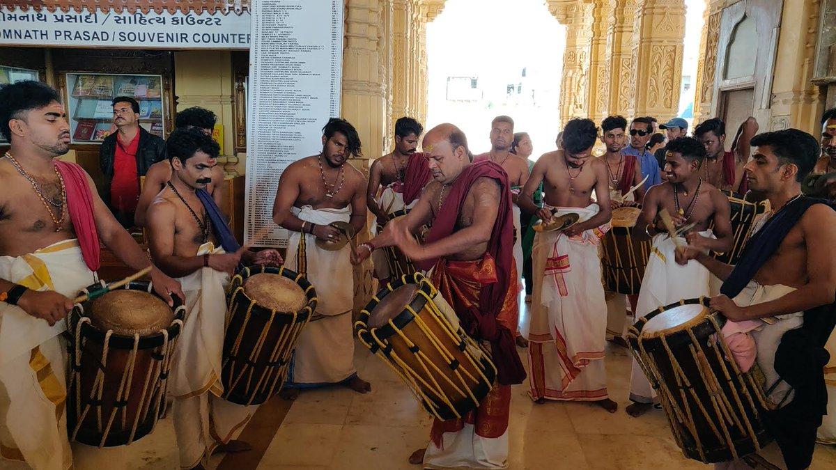 Sur Abhishek of Somnath Mahadev through Chenda Melam sounds