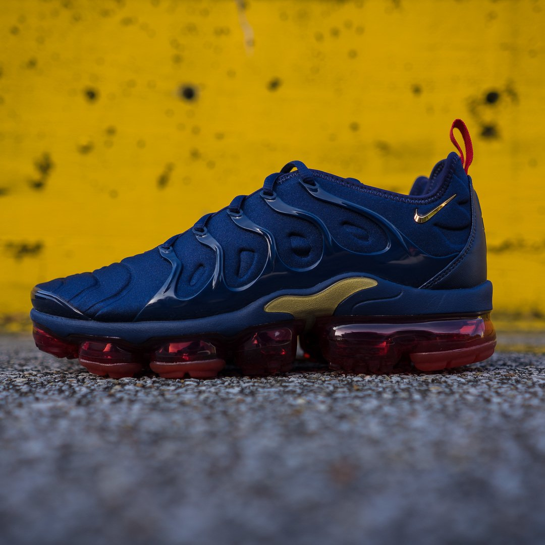 594c8b787671 Dropping today in select stores   online the Men s  Nike Vapormax Plus   Midnight Navy !  Hibbett  AirMax Shop Now