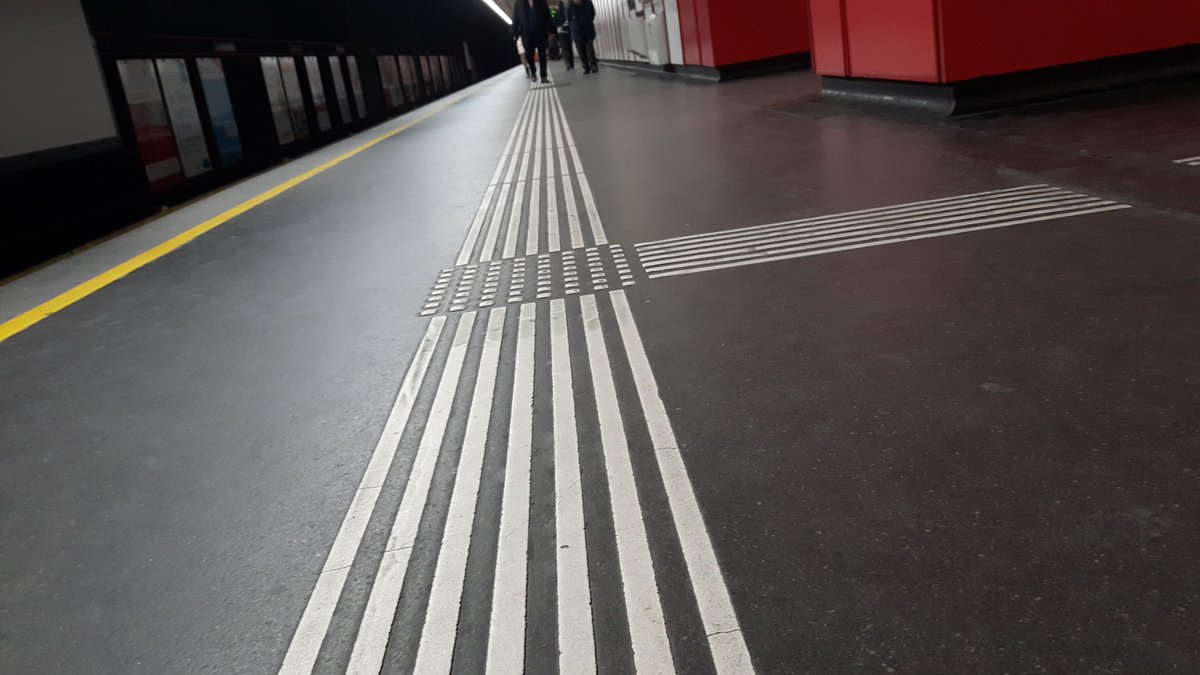 While the CAR clearly notify making all #airports #accessible for passengers with #disabilities, tactile paver are missing on many!! #FlyingForAll #TheYearThatWas @sureshpprabhu @MSJEGOI