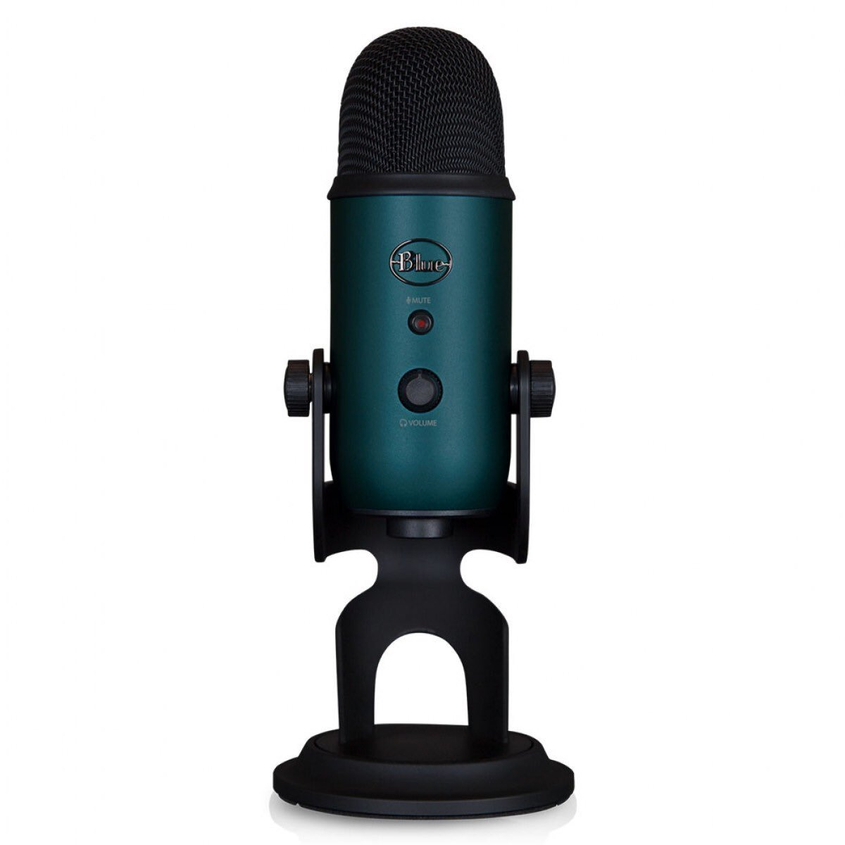 Any of you guys used the Blues Yeti 3-Capsule microphone? I'm trying to settle on a mic for streaming and I've read good things about it! 😄😄 #streaming #streamer #mixerstreamers #gamergirl #watchmixer #mixer