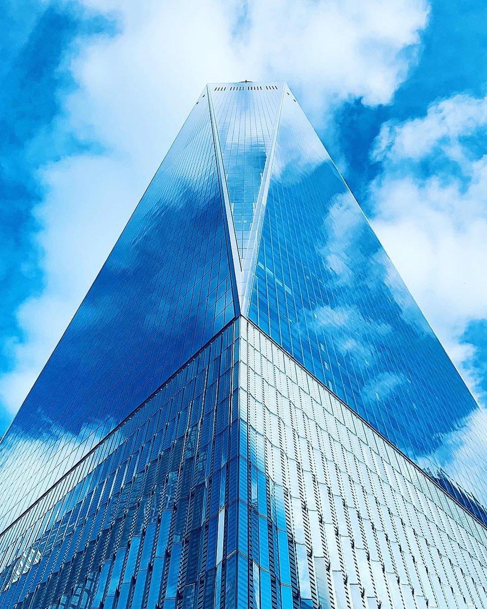 Blue Sky from New York 🇺🇸 https://t.co/k7RJ40QryA https://t.co/F4R5f9BWts
