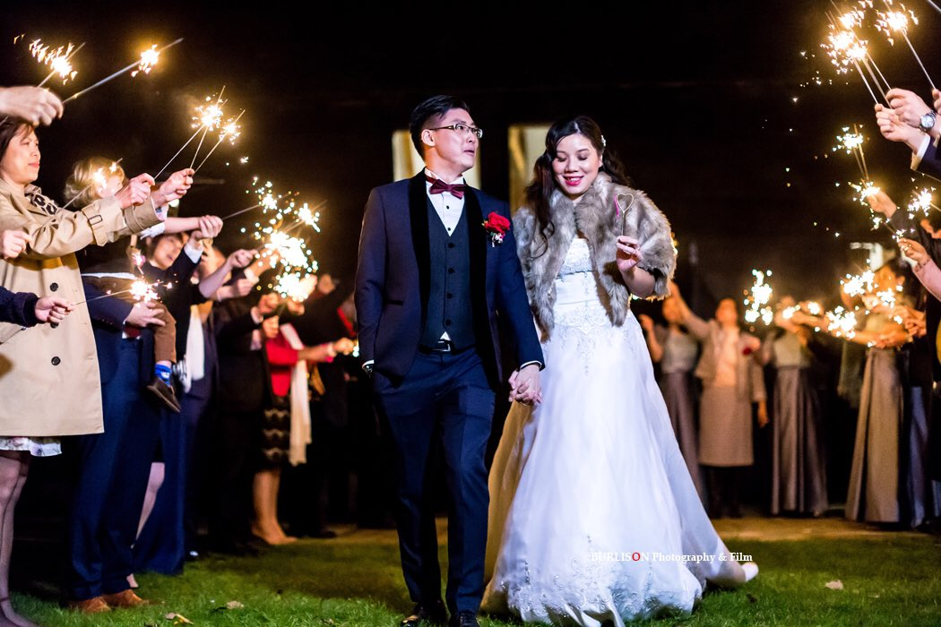 RT @BURLISONphoto SPARKLING start to the New Year..... #chinesewedding #happynewyear #chinesebride #hongkongbride
