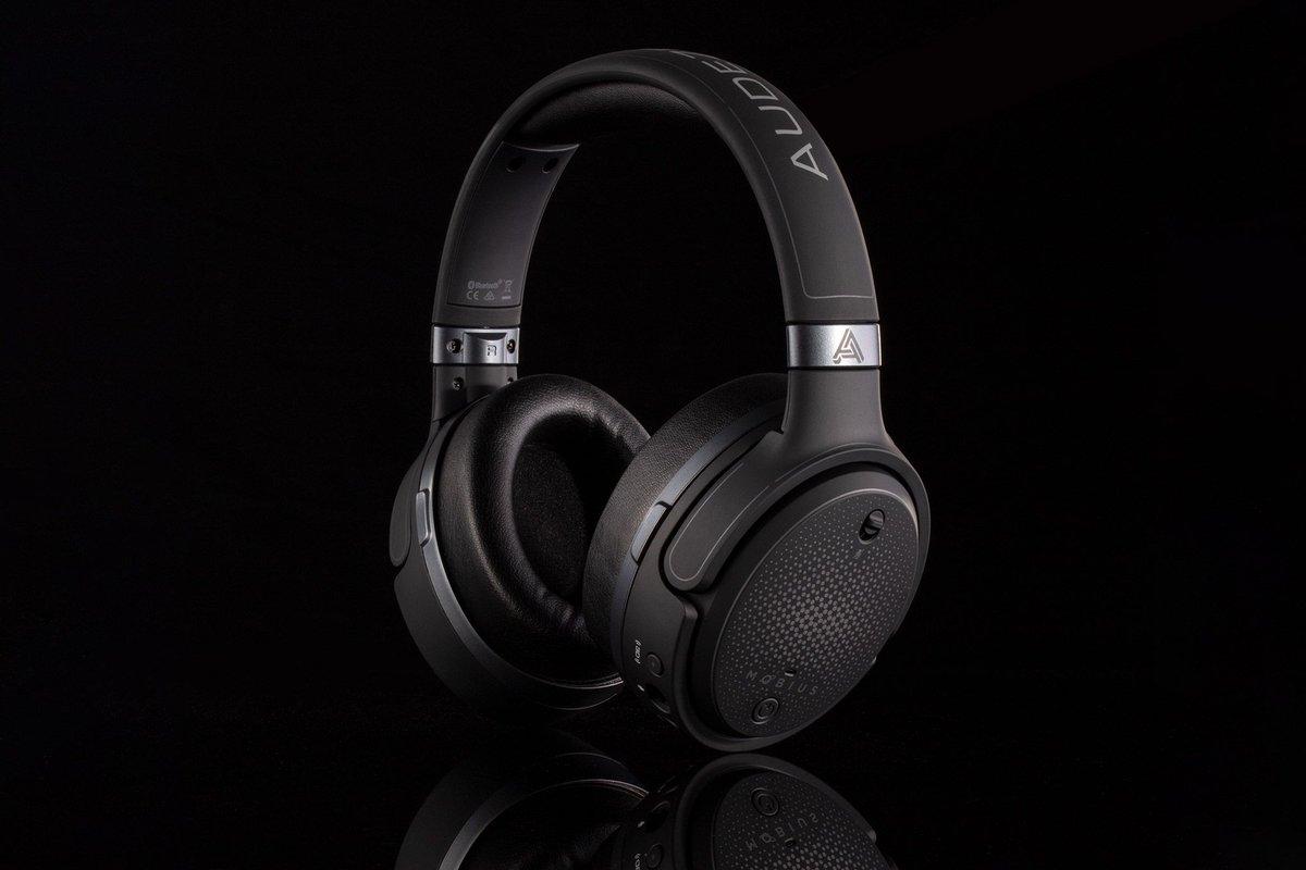 8273b174841 Audeze's motion-aware headphones will soon recreate your head gestures  in-game