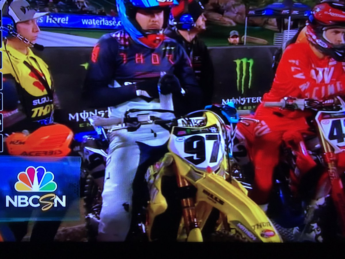Gate drop for Heat 2 @SupercrossLIVE @HEP_motorsports @AEnticknap722