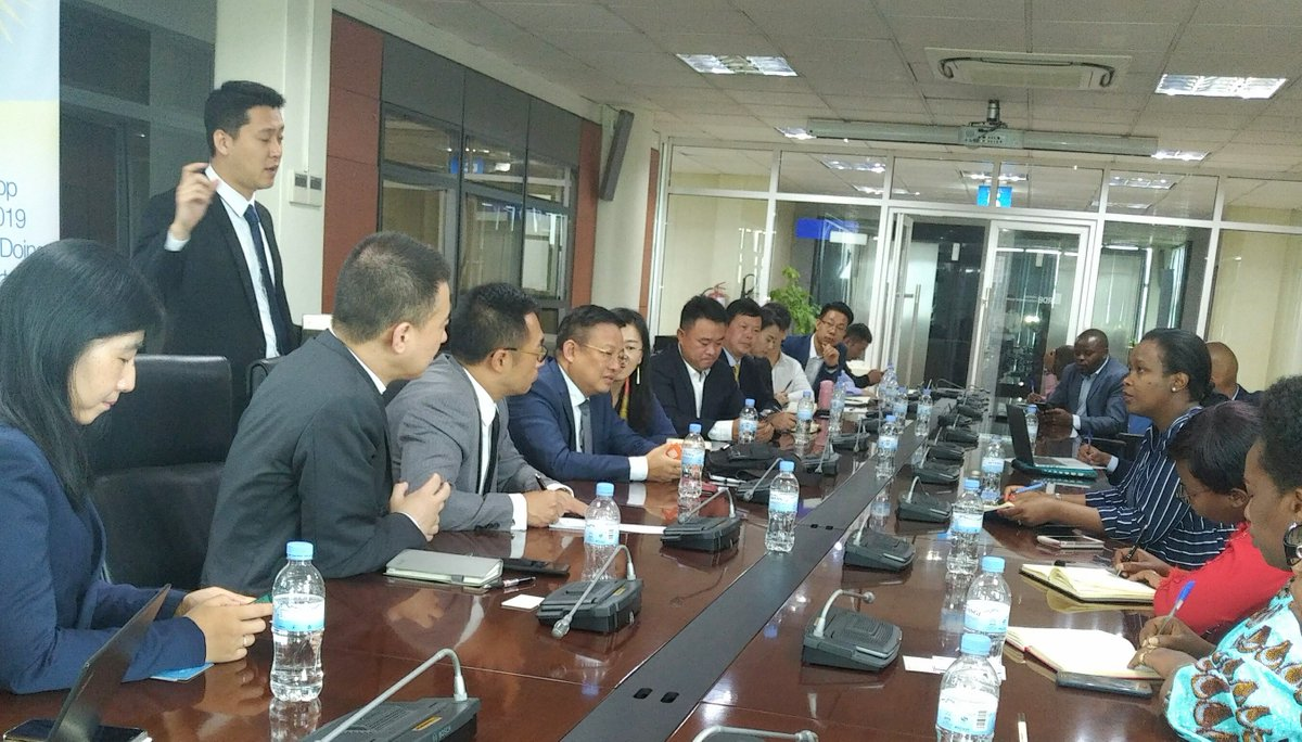 The discussions centered on supporting Rwandan entrepreneurs to export more agro-products to China such as beef, crayfish, avocados, chili pepper, french beans, tree tomatoes and other fruits and vegetables.