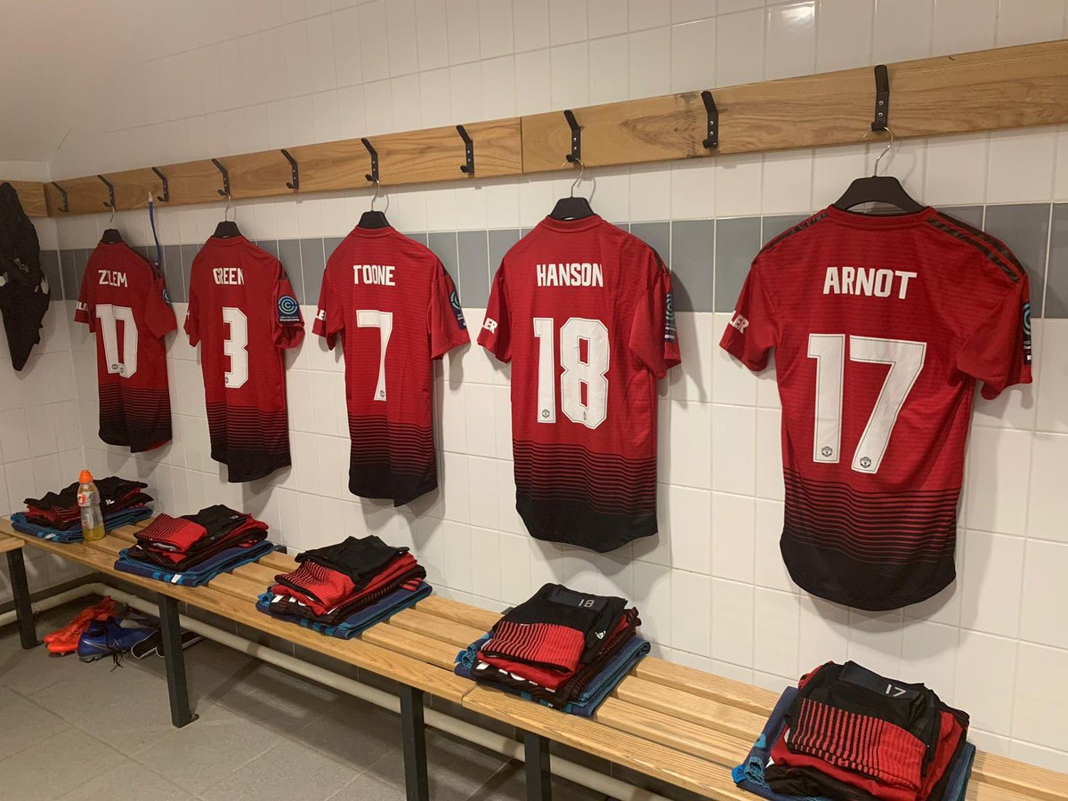 #MUWomen team to face London Bees in today's @FAWC_ match (kick-off 14:00 GMT):   Chamberlain; Harris, M. Turner, Greenwood (c), Smith; Zelem, Toone, Green; Hanson, Arnot, Devlin.   Subs: Palmer, Sigsworth, Hartley, Ramsey, Roberts, James.