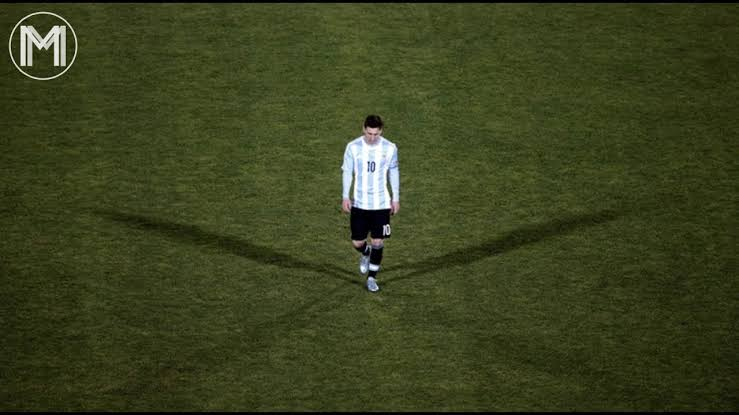 Debunking a myth-  Few of my thoughts on why Messi can thrive in any system. Bit long one, hopefully y'll are patient enough to read this. Will start off with his 🇦🇷 career before delving in to his club career  Thread 👇