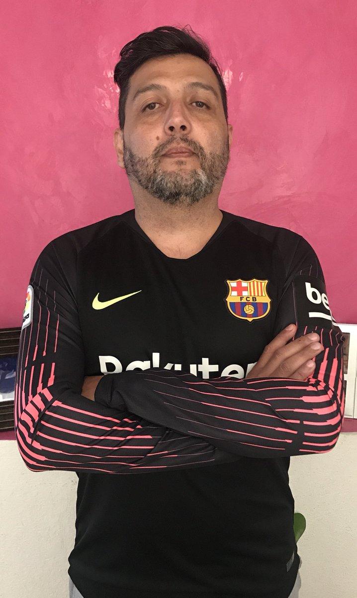 @mterstegen1 El mejor portero del mundo, haciendo increíbles atajadas en cada partido. Por eso pedí este regalo a los Reyes!!