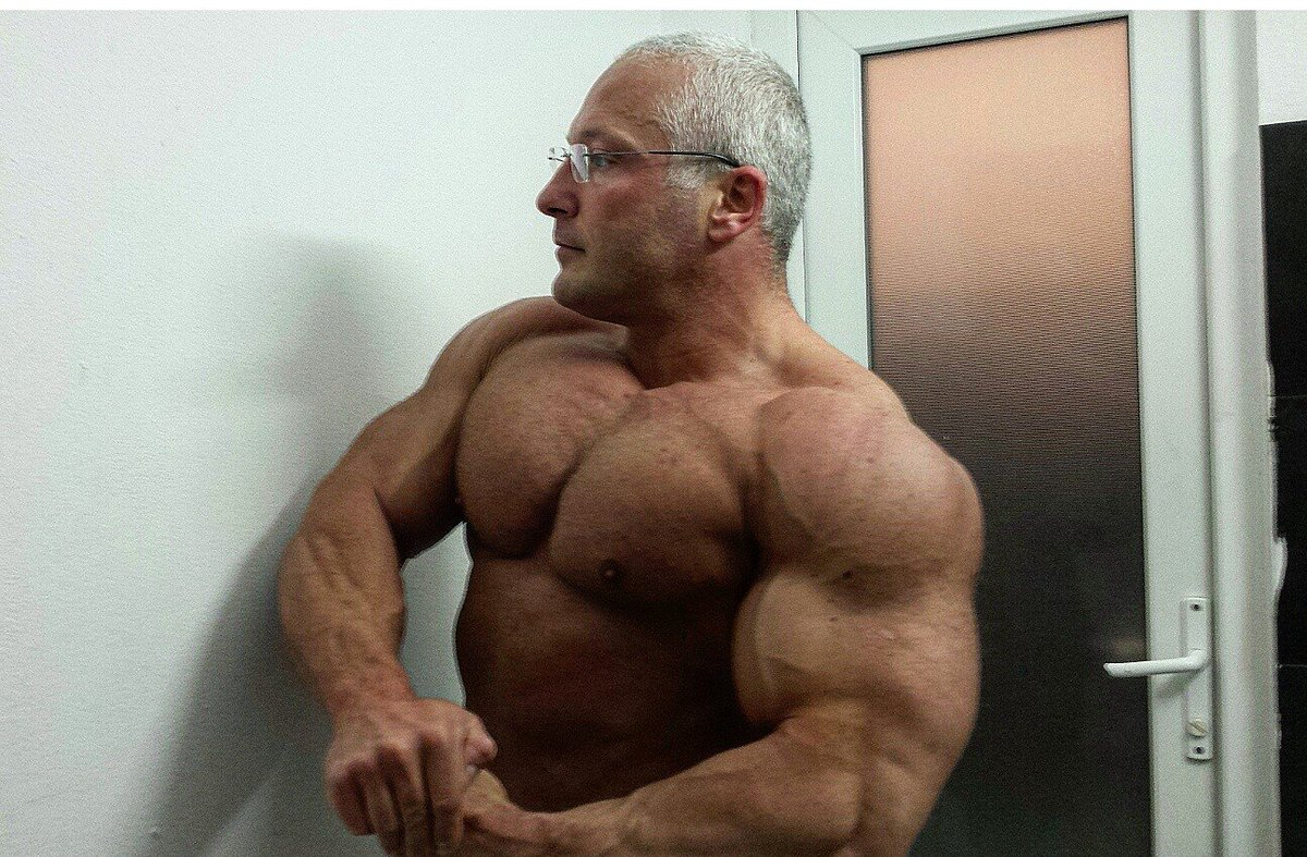Big muscle men