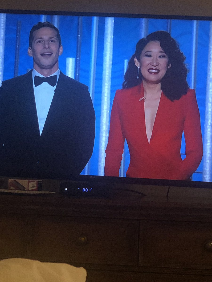 Sandra Oh radiant host tonight 👏🏼👏🏼👏🏼 #GoldenGlobes nbc