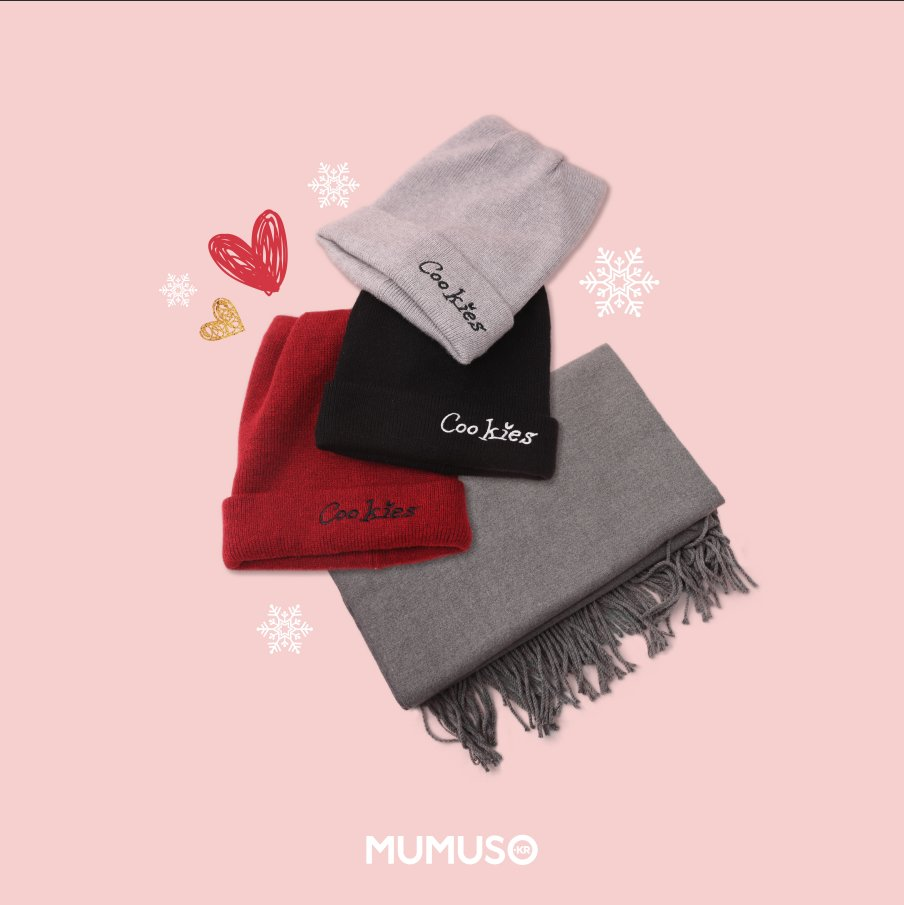 #MUMUSOClass #EnjoytheMostMagicTimeoftheYear #tistheseason Hi! Here's #MUMUSOClass. Let me teach you some color tips today. Black is colorless and can match all colors. Gray is neutral, simple and low-key. If you want to be impressive, #MUMUSO red hat is your best choice.