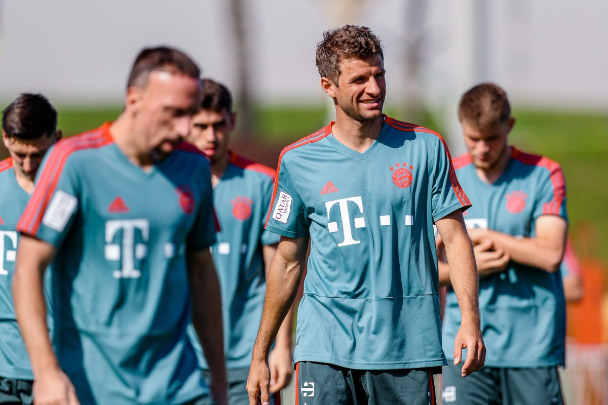 Impressions from the @FCBayern training camp 😃☀️⚽️ #esmuellert #packmas #fcb
